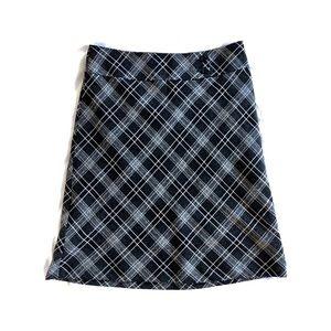 Cute wool plaid skirt
